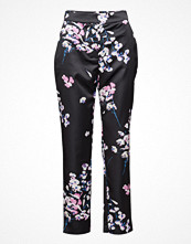 Marciano by GUESS Capri Pants Ponte