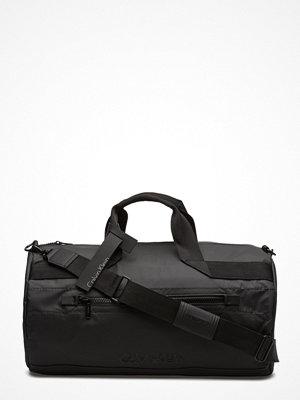 Väskor & bags - Calvin Klein Metro Weekender