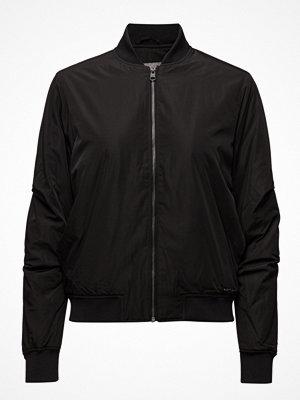 Calvin Klein Jeans svart bomberjacka Owral Padded Bomber