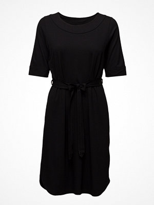 Nanso Ladies Dress, Haave