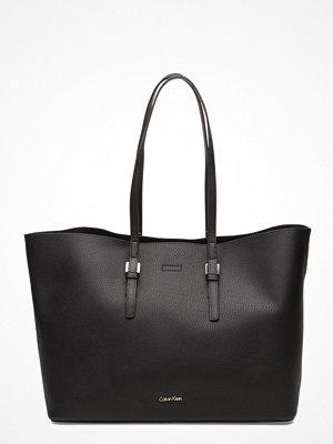 Calvin Klein svart shopper Ck Large Tote Solid,