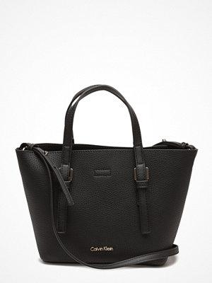 Calvin Klein svart shopper Ck Small Tote Solid,