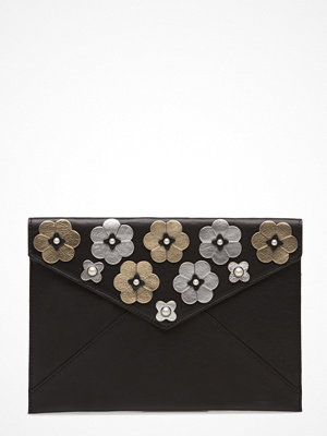 Rebecca Minkoff svart kuvertväska med tryck Floral Applique Leo Clutch