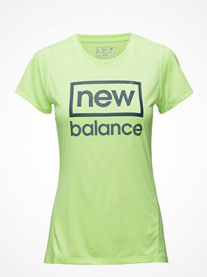Sportkläder - New Balance Heathered Ss Tee Graphic