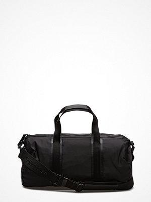 Väskor & bags - Calvin Klein Blithe Cylinder Duff
