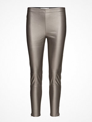 Mango omönstrade byxor Faux-Leather Trousers