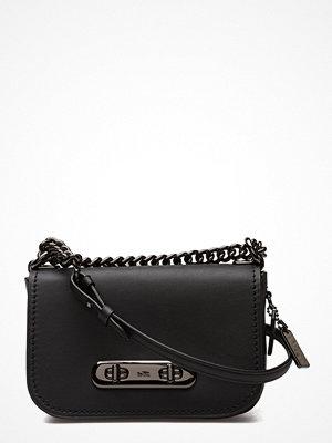 Coach svart axelväska Glovetanned Leather Refresh Coach Swagger 20 Shoulder Bag