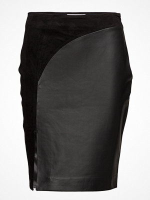 Second Female Elfes Leather Skirt