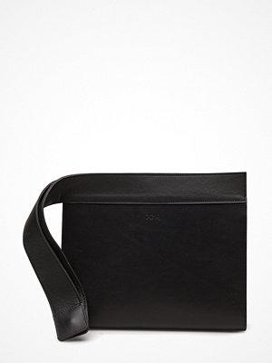 Dagmar svart kuvertväska Clutch