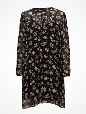 Second Female Izumi Flower Dress
