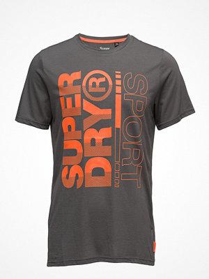 Sportkläder - Superdry Sport Core Training Graphic Tee