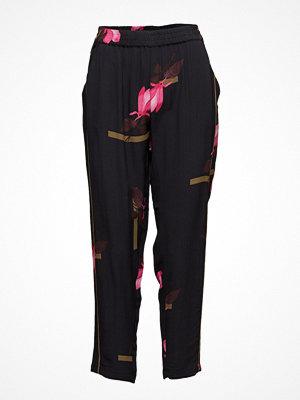 Coster Copenhagen svarta byxor med tryck Pants W. Mokuren Print