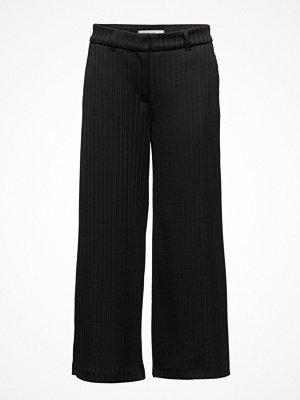 2nd One svarta randiga byxor Eloise 805 Crop, Black Plissé, Pants