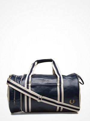 Väskor & bags - Fred Perry Classic Barrel Bag