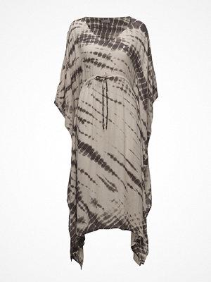 UNMADE Copenhagen Kirol Kimono
