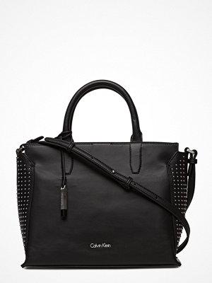 Calvin Klein svart shopper Lizzy Medium Tote