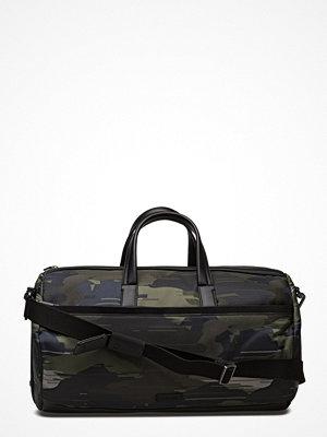 Väskor & bags - Calvin Klein Finton Cylinder Duff