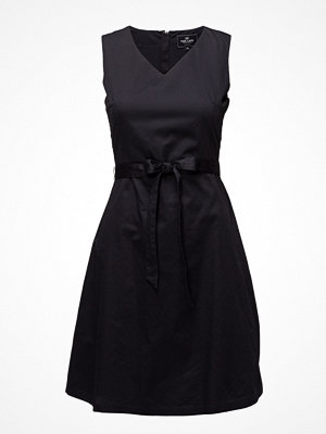 Park Lane Dress Sleeveless