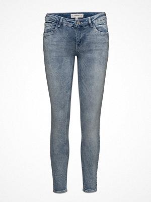 Mango grå byxor Kim Skinny Push-Up Jeans