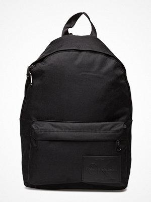 Calvin Klein svart ryggsäck Sport Essential Cp