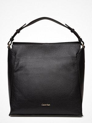 Calvin Klein svart shopper Lizzy Hobo