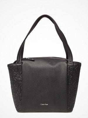 Calvin Klein svart shopper Misha Medium Tote