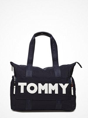 Tommy Hilfiger svart shopper med tryck Tommy Nylon Tote