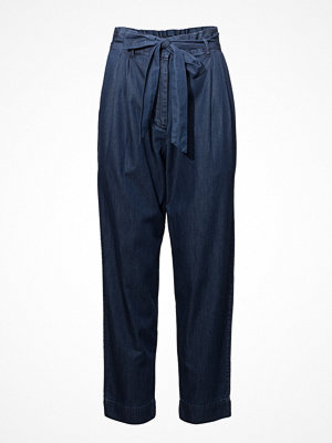 French Connection marinblå byxor Geada Light Denim Tapered Trouser