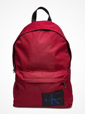 Calvin Klein röd ryggsäck Sport Essential Cp