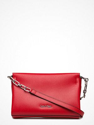 Calvin Klein röd kuvertväska Frame Clutch / Cross