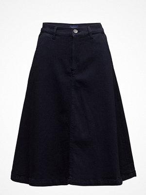 Gant 01. A-Line Midi Skirt