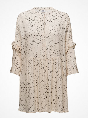 Saint Tropez Dotty P Tunic W Ruffle Trim
