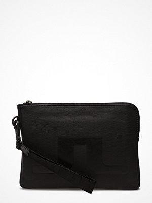 J. Lindeberg svart kuvertväska S-Bag 50068 Cow Nappa