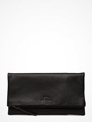 J. Lindeberg svart kuvertväska Envelope Bag Soft Nappa