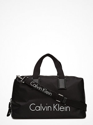 Calvin Klein svart weekendbag City Nylon Duffle