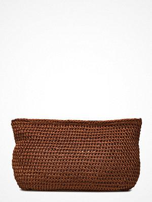 Rabens Saloner brun kuvertväska Crochet Clutch