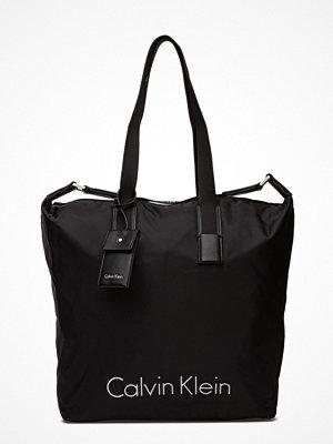 Calvin Klein City Nylon Shopper svart
