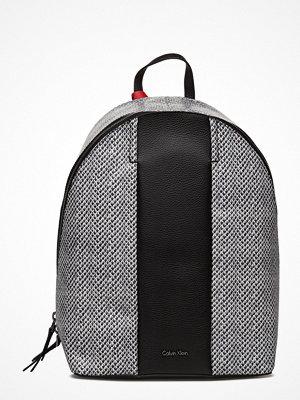 Calvin Klein svart ryggsäck Cosmopolitan Backpac