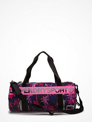 Sport & träningsväskor - Superdry Sport Super Sport Barrel Bag