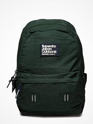 Superdry omönstrad ryggsäck Real Montana