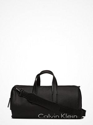 Väskor & bags - Calvin Klein Quad Stitch Cylinder