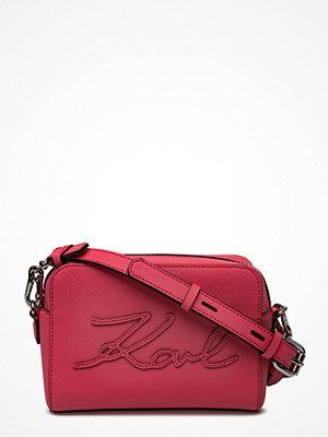 Karl Lagerfeld bags röd axelväska K/Signature Essential Cam Bag