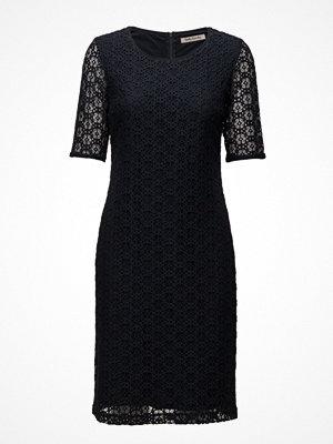 Betty Barclay Dress Short