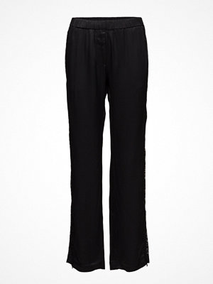 Samsøe & Samsøe svarta byxor Hoys Lace Pants 7700