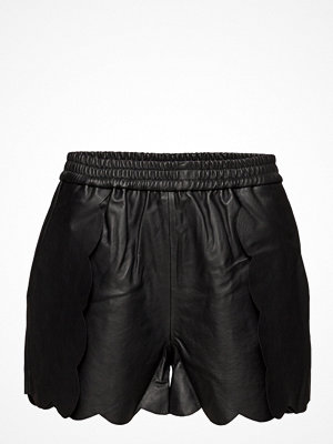 Designers Remix Erin Scallop Shorts Lb