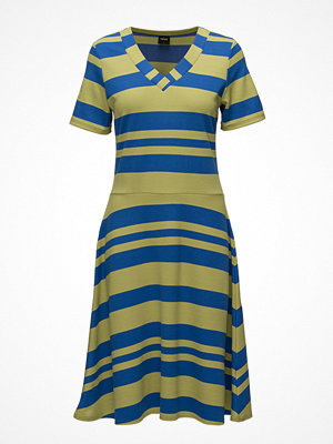 Nanso Ladies Dress, Palkki