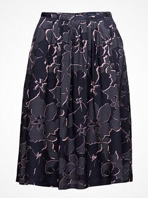 Gant O1. Floral Shadow Skirt