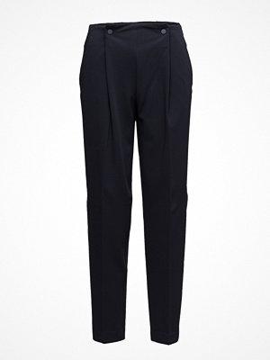 Mango svarta byxor Pleat Detail Trousers