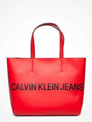 Calvin Klein röd shopper med tryck Sculpted Zip Tote Logo