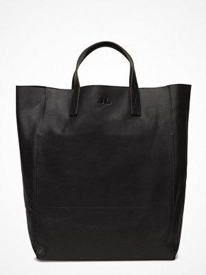 J. Lindeberg svart shopper Tote Raw Leather